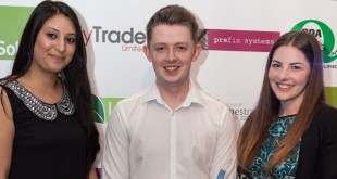 edgetechs-marketing-assistant-krishma-nakeshri-and-head-of-marketing-charlotte-davies-collect-their-2015-nfa-from-jason-grafton-holt-co-founder-and-director-of-nfas