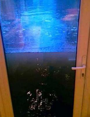 LEGEND DOORS RESIST THE FLOODS