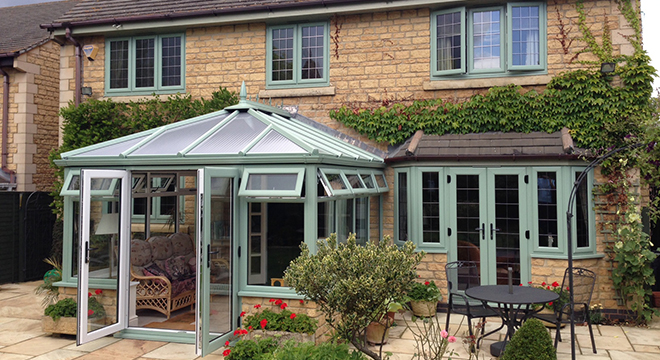 CHARTWELL GREEN IN THE COTSWOLDS