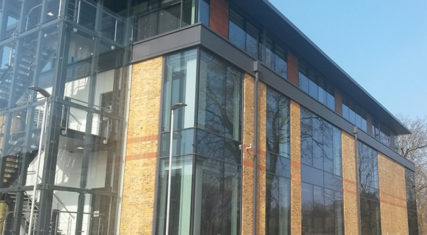 FLOAT GLASS INDUSTRIES SUPPLIES GLASS FOR A LEGAL AND GENERAL OFFICE REFURBISHMENT IN SURREY