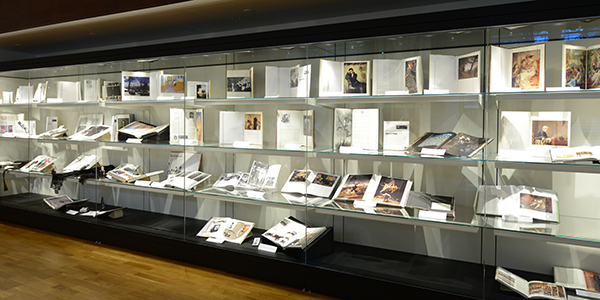 PROMUSEUM HELPS FRENCH MULTI-MEDIA LIBRARY OPEN A NEW CHAPTER WITH GUARDIAN CLARITY™ ANTI-REFLECTIVE GLASS