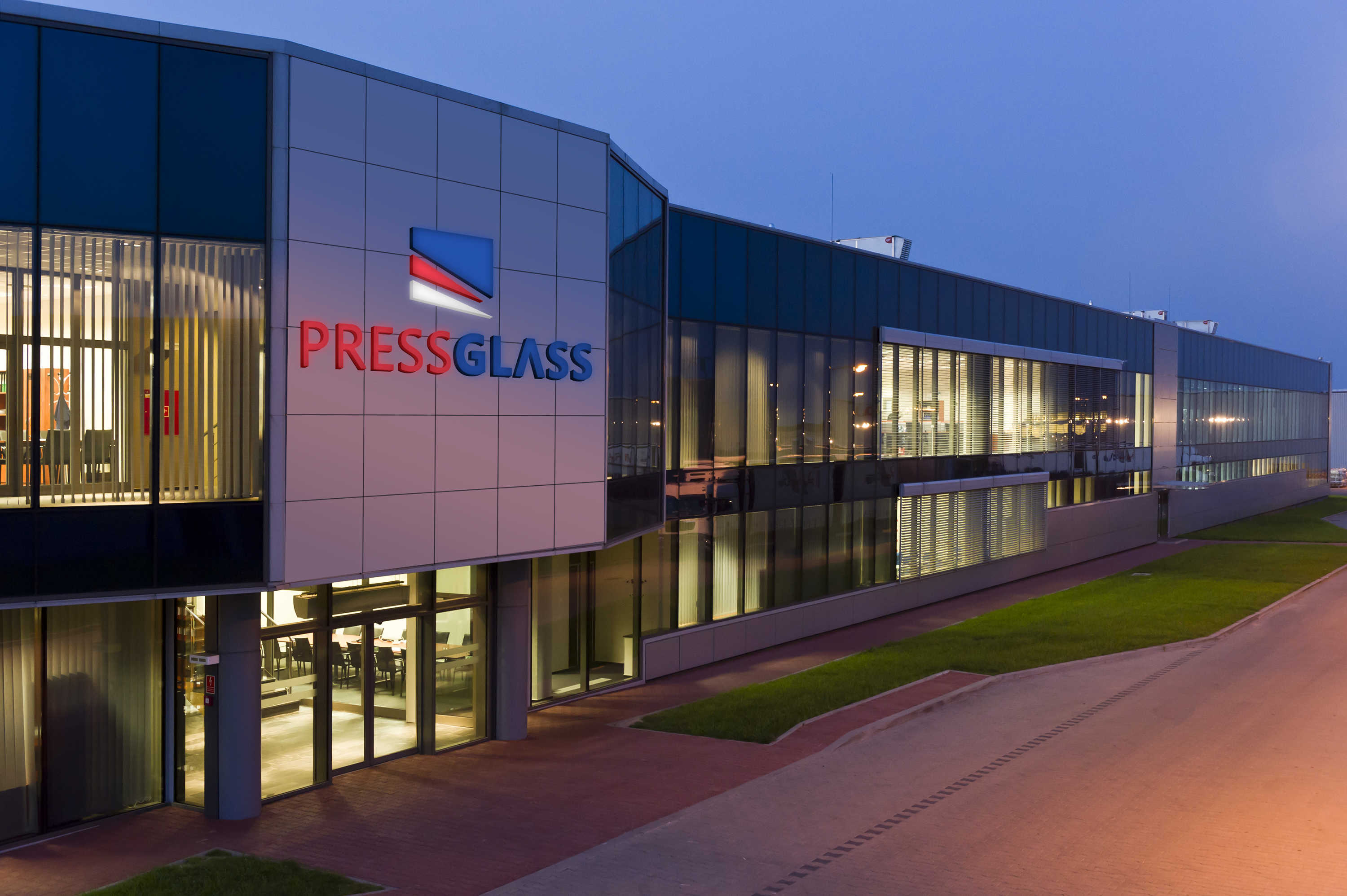 PRESS GLASS IS COMMITTED TO DEVELOPMENT IN ORDER TO ENHANCE ITS CUSTOMERS' COMPETITIVE ADVANTAGES