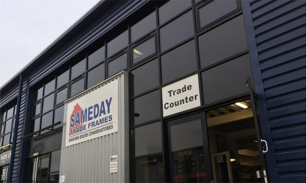 SAMEDAY TRADE FRAMES EXPANDS ITS OFFER WITH SLIDERS UK