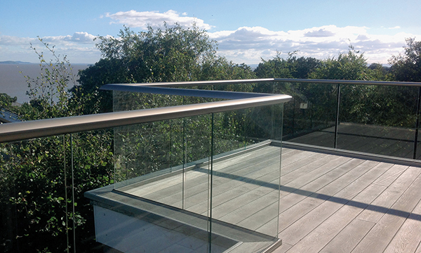 THE BIGGER PICTURE: HYBRID® BALUSTRADE BRINGS HIGH-END LOOK INTO THE MAINSTREAM