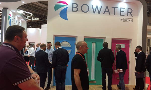 BOWATER IS BACK IN STYLE AT FIT!
