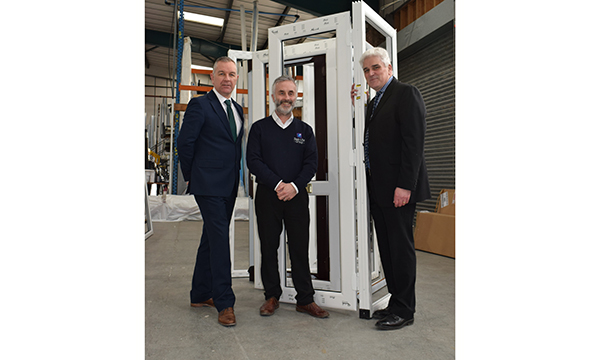 DYNAMIC 2D HINGES HELP SEAL-LITE DELIVER QUALITY SWISH DOORSETS
