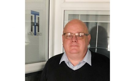 STEPHEN HILLIER HITS THE HI-LIFE AT FAST-GROWING HITECH BLINDS IN PETERBOROUGH