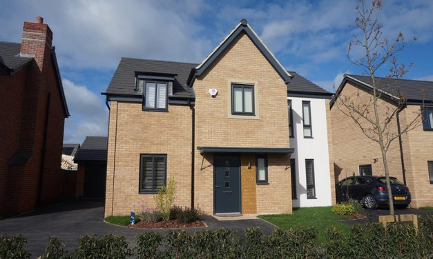 MORRIS HOMES FEATURE FREEFOAM COLOUR FASCIA