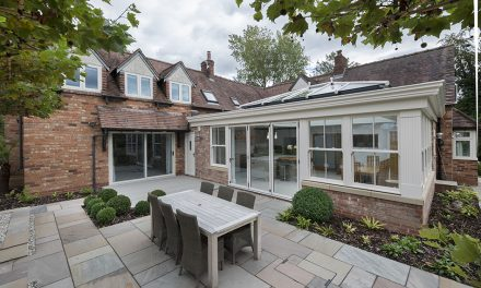 BLENDING OLD AND NEW IN A BESPOKE CONSERVATORY