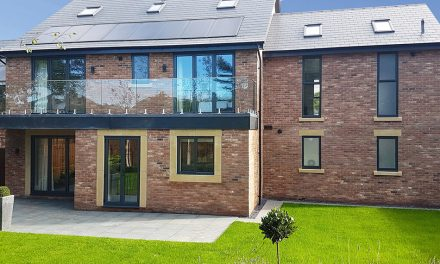 SUPPORT FOR INSTALLERS ON BIG ALUMINIUM GLAZING PROJECTS