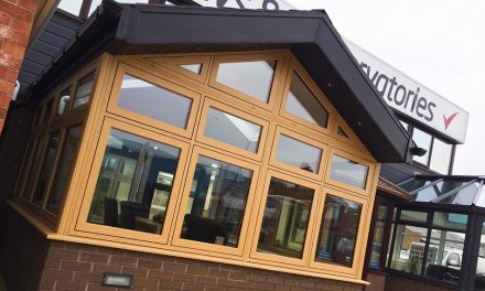 DEKKO HELP DROYLSDEN GLASS WITH SHOWROOM REVAMP