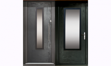 APEER EXTENDS MODO DOOR RANGE WITH ALL GLASS TRIM AND CHOICE OF FRAME FINISH