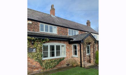 UNIVERSAL TRADE FRAMES DEMONSTRATES FABRICATION EXCELLENCE IN SPECTUS FLUSH CASEMENT WINDOWS FOR PICTURESQUE PROPERTY IN WARRINGTON