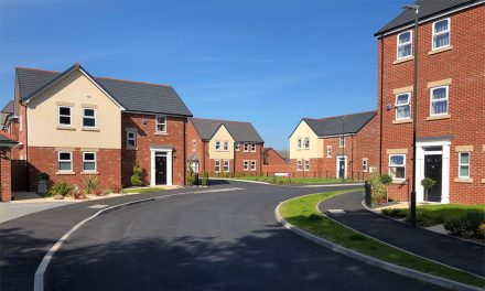 SPECTUS WINDOWS PROVIDE FINISHING TOUCH FOR NEW BUILD DEVELOPMENT IN DERBYSHIRE