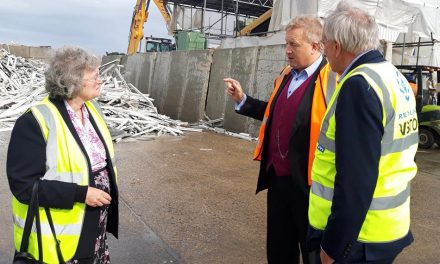 VEKA RECYCLING HOSTS LOCAL POLITICIANS AT NEW HQ