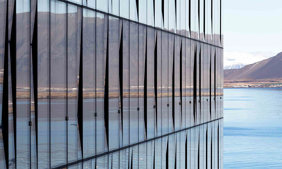 SPECIFYING SUCCESS WITH CURTAIN WALLING